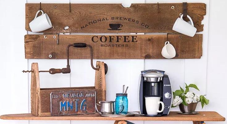 Letrero de café de madera recuperado