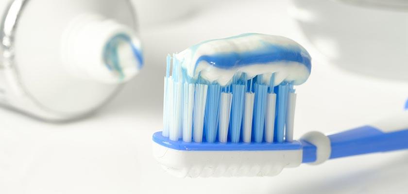 ¿Por qué debo cepillarme los dientes?