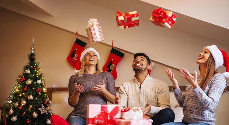 Los juegos y la diversión Fiesta de Navidad